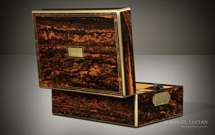 Antique Jewellery Box in Coromandel, Attributed to William Lund.