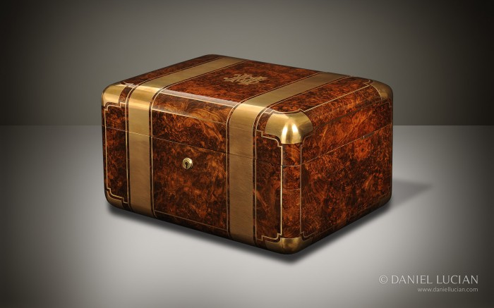 Antique Jewellery Box in Burr Walnut with Cantilever Mechanism.