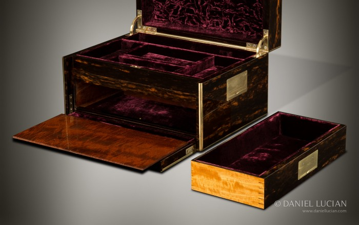 Antique Jewellery Box in Coromandel with Two Drawers and a Secret Floor, by Leuchars