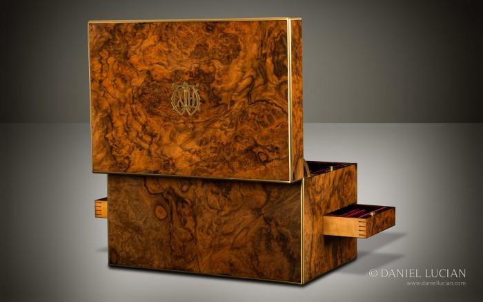 Walnut and Burr Walnut - Antique Box Guide Antique Box Guide