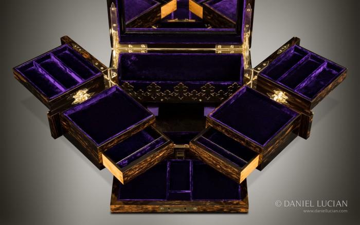 Asprey Antique Jewellery Box in Coromandel with Betjemann Patent Mechanism.