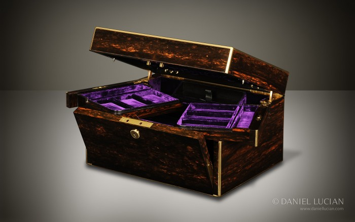 Antique Jewellery Box in Coromandel with Betjemann Patent Automatic Opening Mechanism by Leuchars.