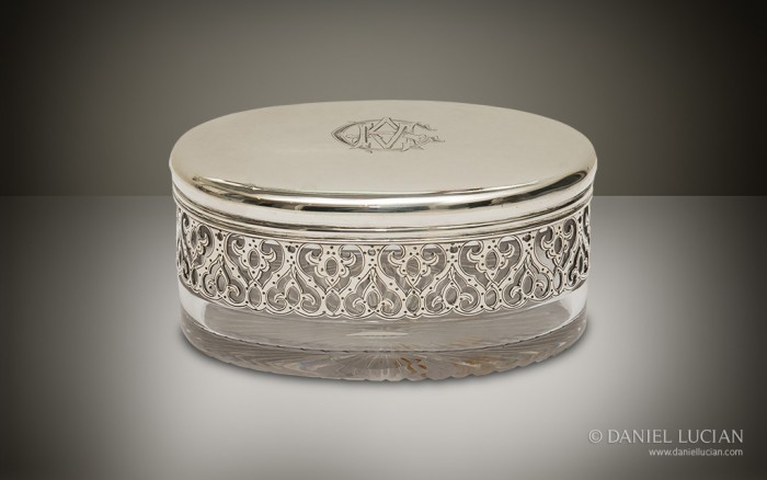 Soap Dish Jar from an Antique Dressing Case with Betjemann Patent Mechanism, by Jenner & Knewstub.