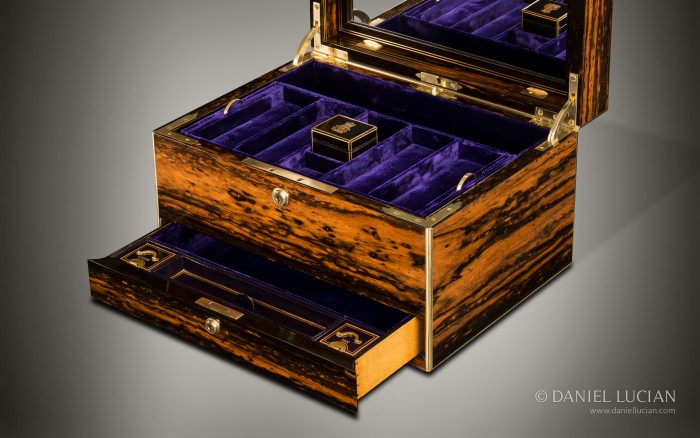 Antique Jewellery Box in Coromandel with Countess Coronet, by Jenner & Knewstub.
