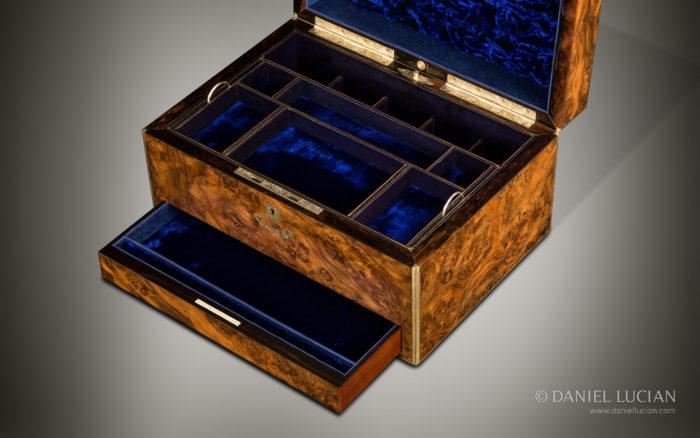 Antique Jewellery Box in Burr Walnut, by Joseph Pearce